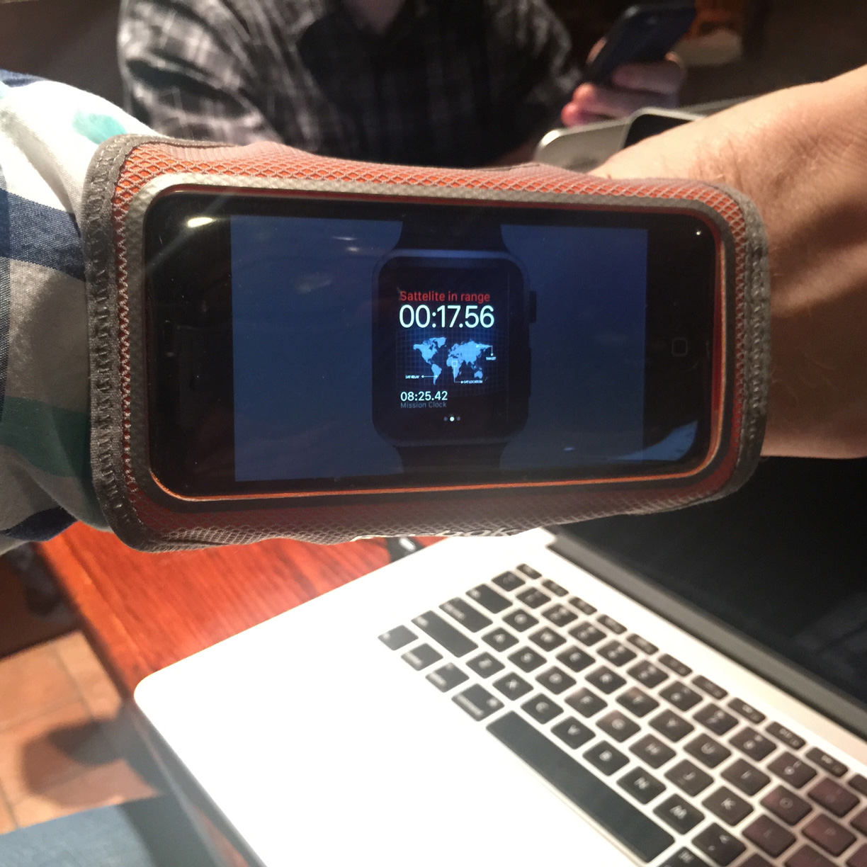 photo of the iPhone running cuff with Briefscase running